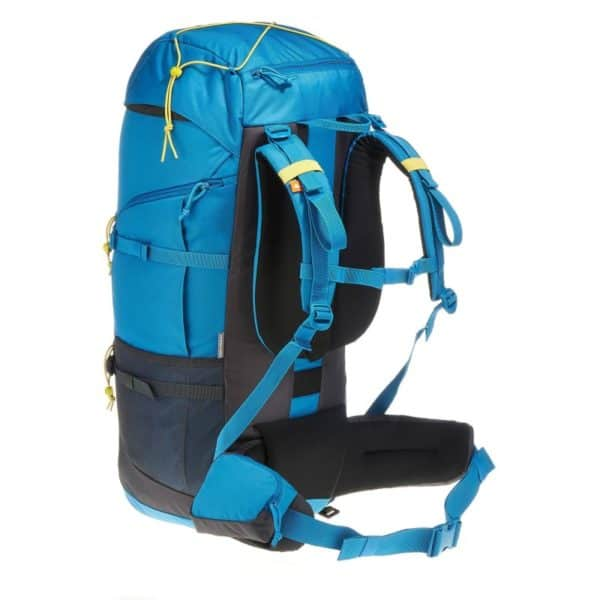 Рюкзак Quechua Forclaz 60 вид сбоку